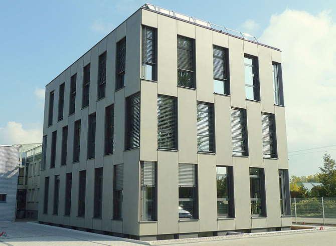 KNF Neuberger S.A.S. в г. Виллаж-Нёф, Франция - производственный центр   эл. двигателей и лабораторных мини мембранных насосов KNF